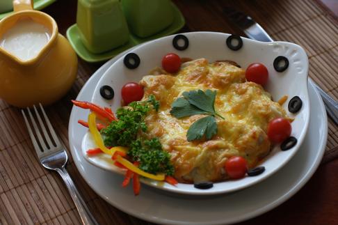 пельмени с сыром запеченные в томатном соусе